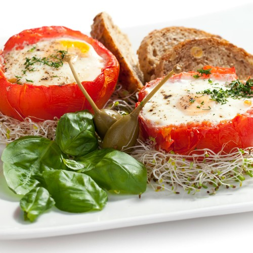 Śniadanie - Jajka zapiekane w pomidorze